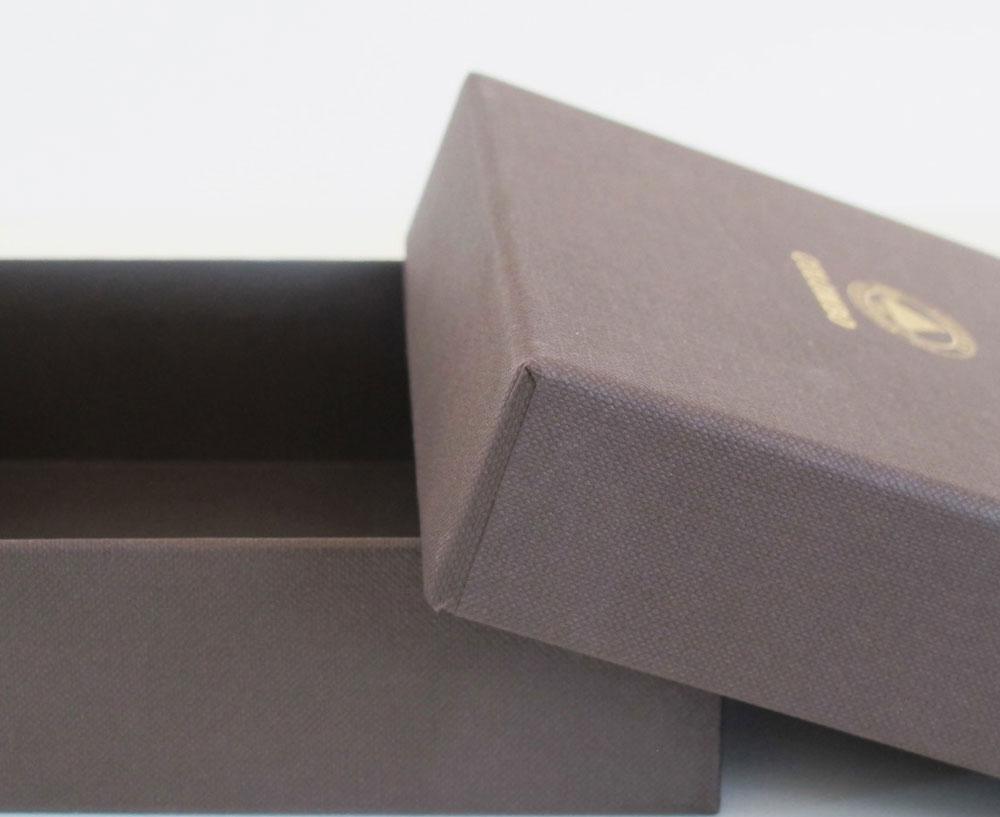 scatola rigida rivestita con coperchio e stampa a caldo