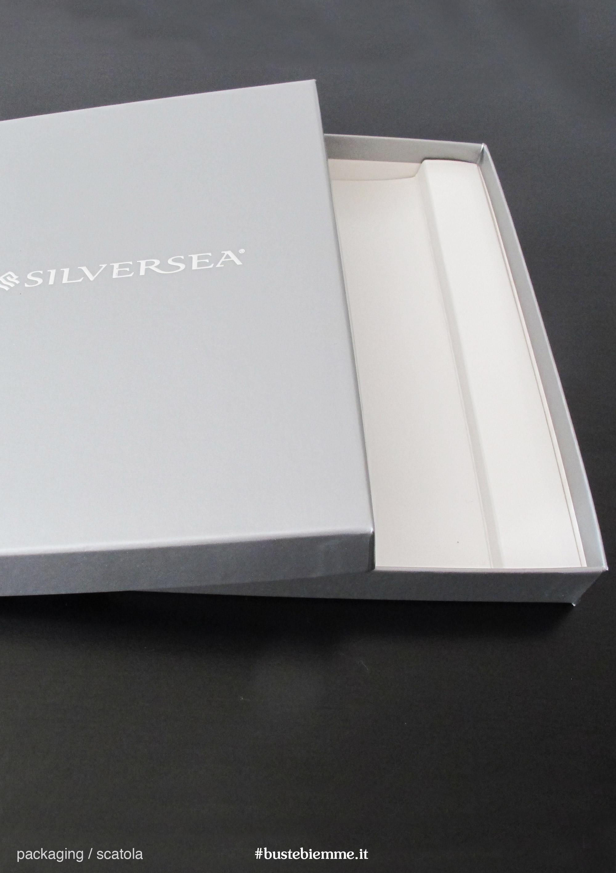 scatola automontante in cartoncino teso personalizzata con coperchio