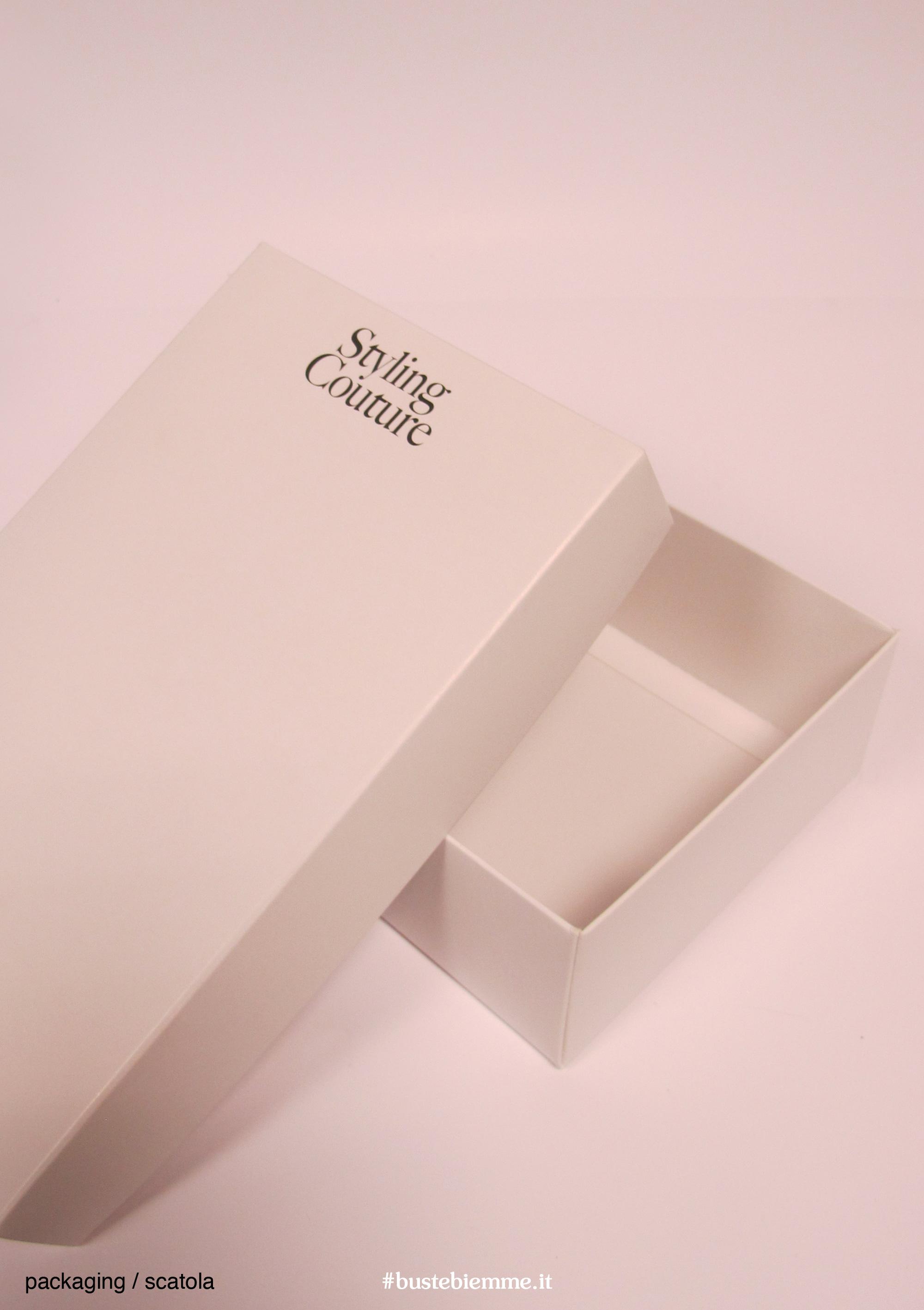 scatola automontante personalizzata con coperchio