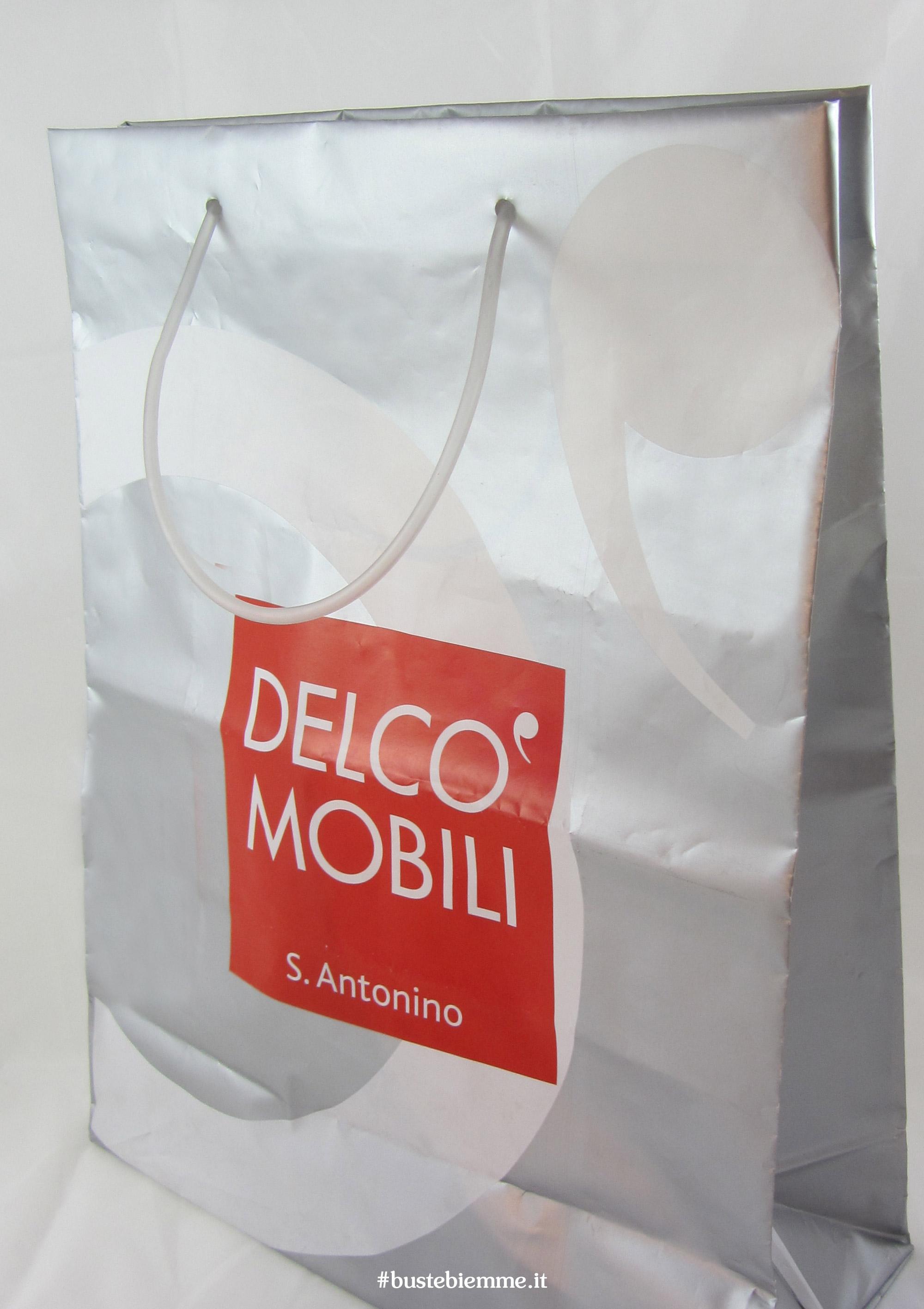 sacchetto in plastica con bordo rinforzati e manici in tubicino plastica