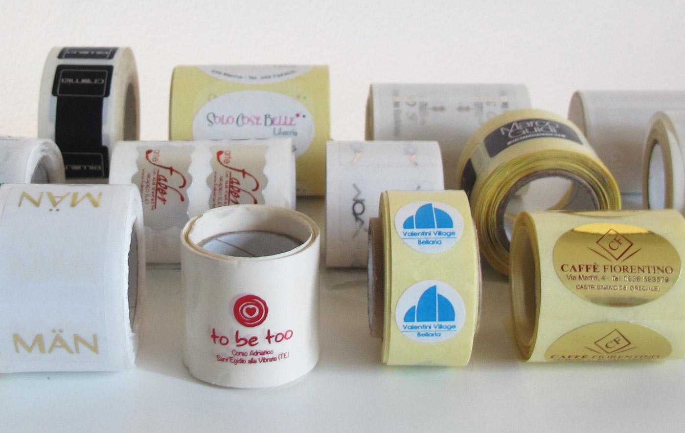 etichette trasparenti e colorate personalizzate