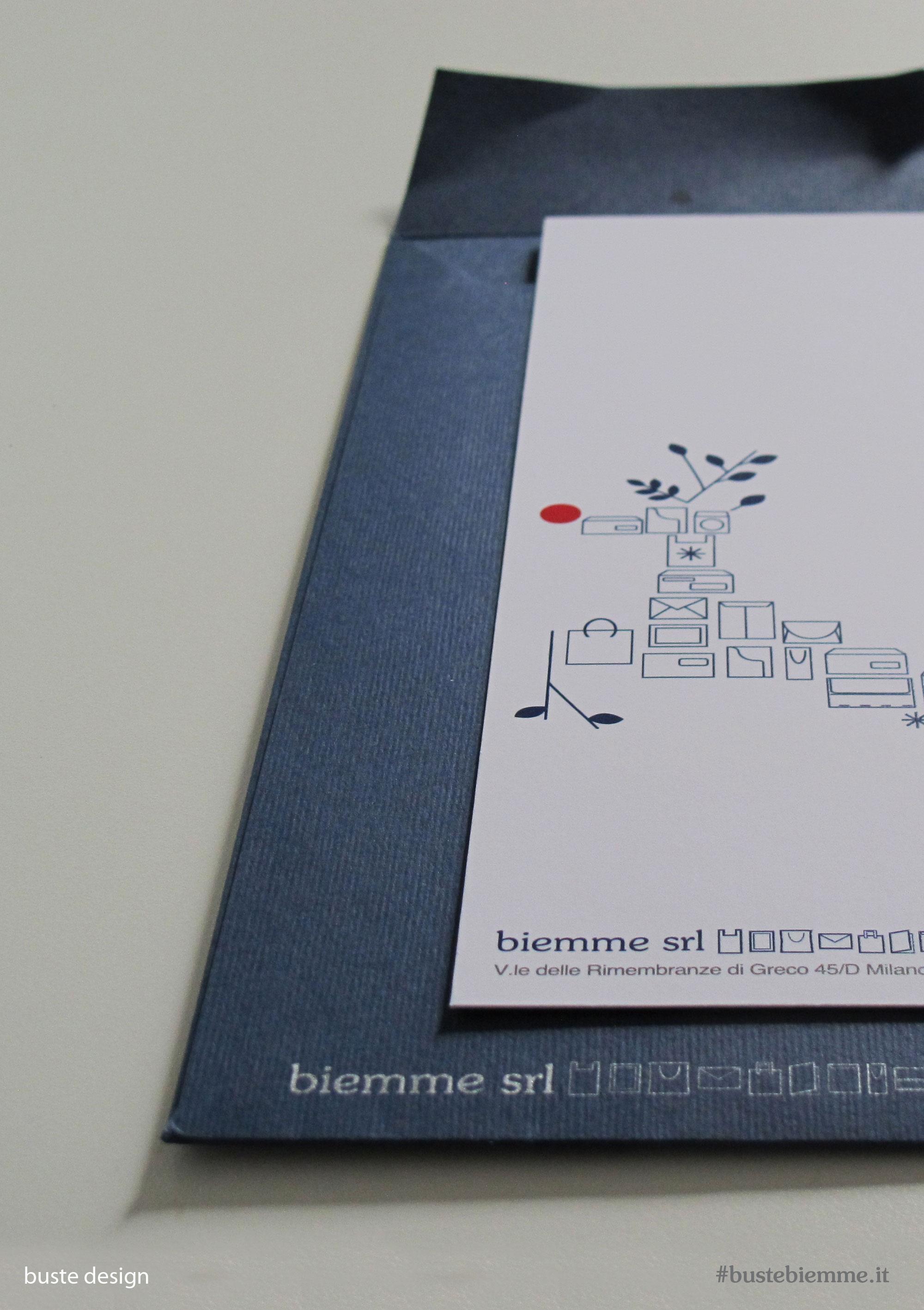 busta design con carta goffrata e stampa a caldo argento