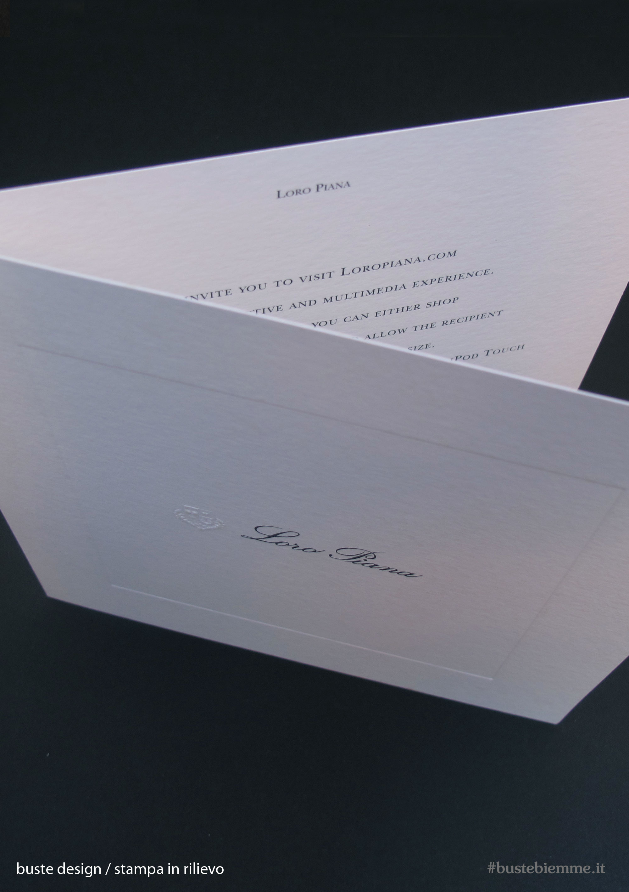 busta design carta ricercata incisione e stampa a rilievo