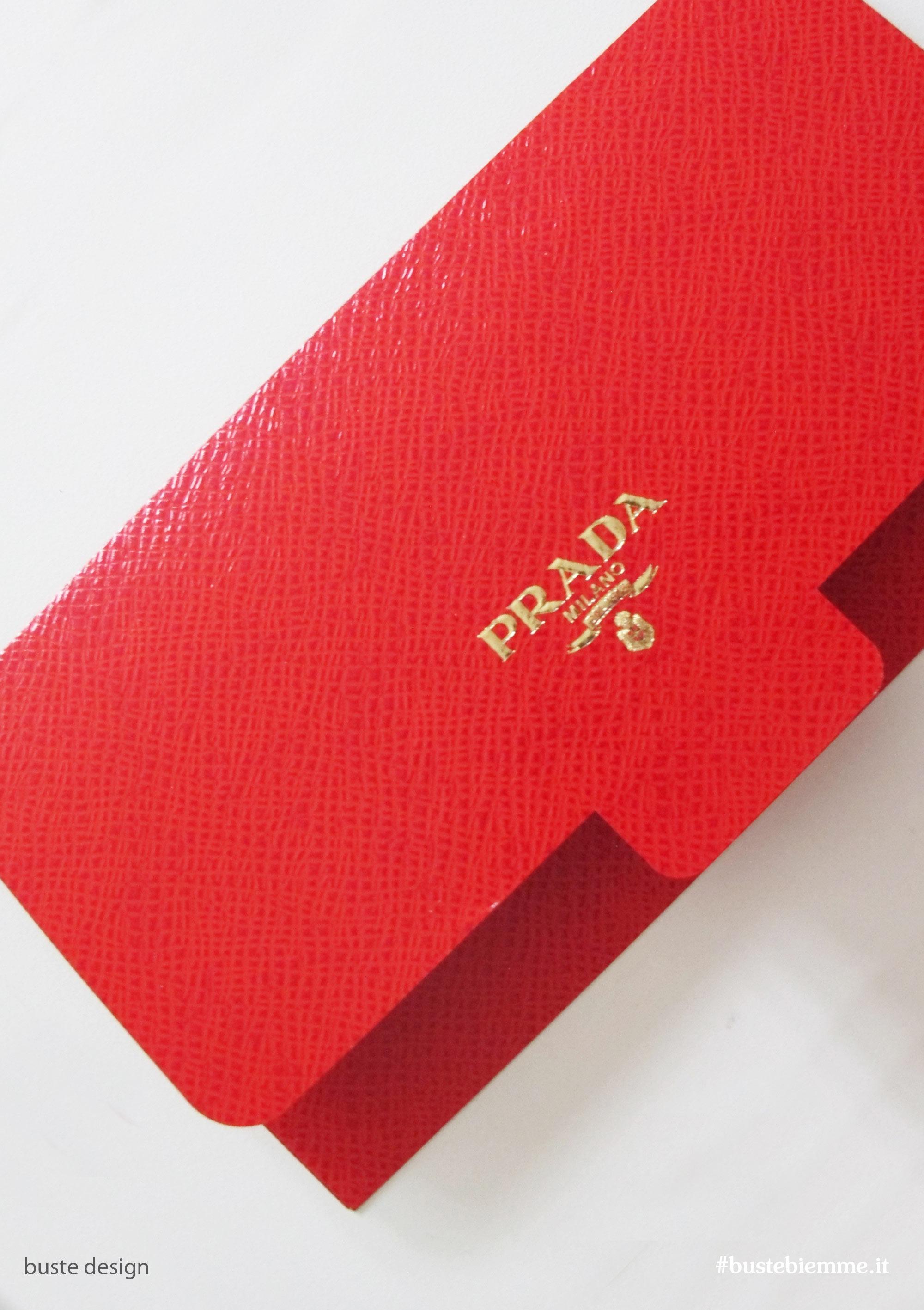 busta design carta effetto pelle stampa oro a caldo